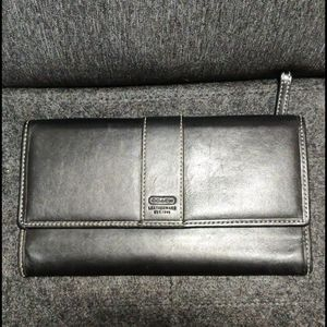 Coach**smooth leather wallet
